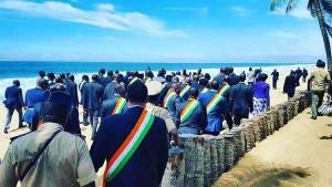 Députés ivoiriens en hommage à Grand-Bassam